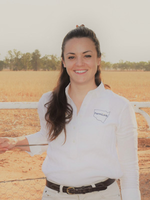 DBEE project partner FarmLink's Research and Extension Officer, Caitlin Langley.